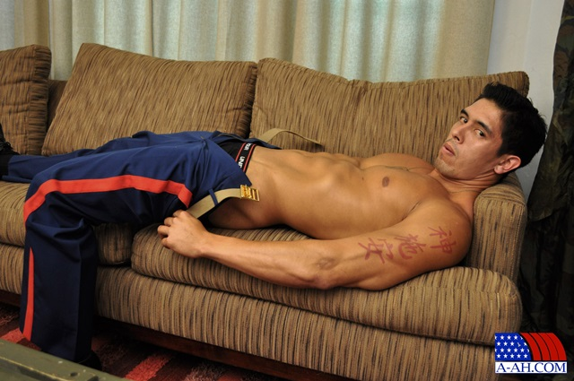 Corporal-Archer-All-American-Heroes-stiff-cock-tanned-muscles-soldier-jerk-off-001-male-tube-red-tube-gallery-photo