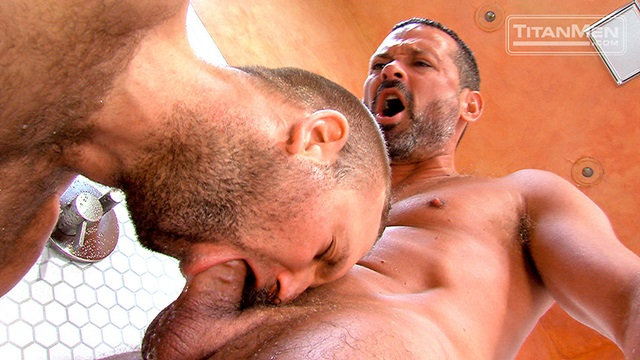 Hairy-Chested-Hunk-Tom-Wolfe-sucks-big-dick-Will-Swagger-furry-balls-huge-cumshot-010-male-tube-red-tube-gallery-photo