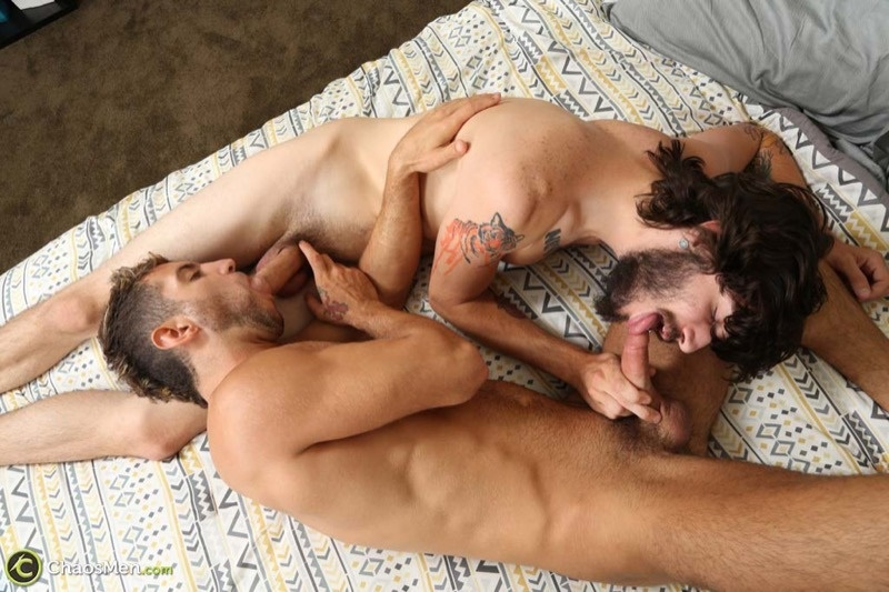 chaosmen-sexy-amateur-straight-young-nude-dudes-sean-peyton-sucks-booth-9-inch-dick-cocksucker-hairy-chest-beard-facial-hair-010-gay-porn-sex-gallery-pics-video-photo