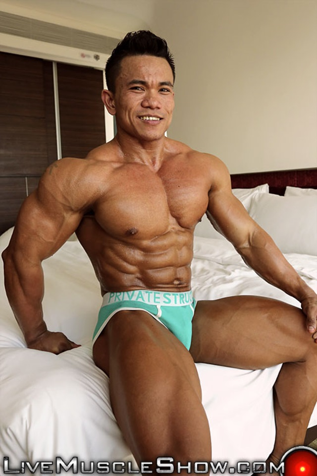 Joseph-Blessed-Live-Muscle-Show-Gay-Porn-Naked-Bodybuilder-nude-bodybuilders-gay-fuck-muscles-big-muscle-men-gay-sex-004-gallery-video-photo