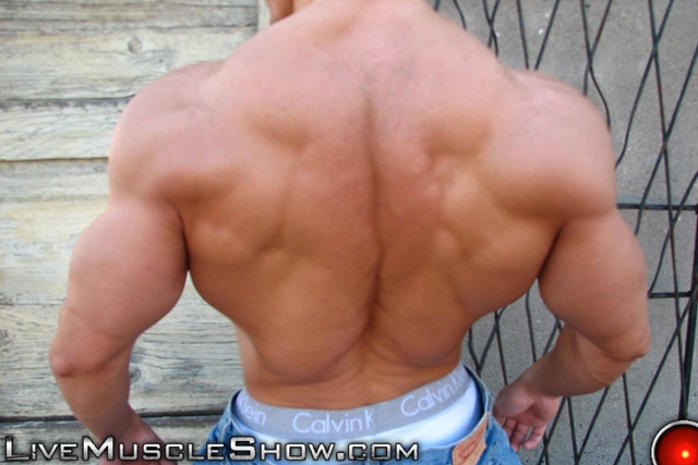 Live-Muscle-Show-huge-muscled-man-Patrick-sexy-muscular-guy-big-muscle-appreciation-worship-live-video-chat-003-male-tube-red-tube-gallery-photo