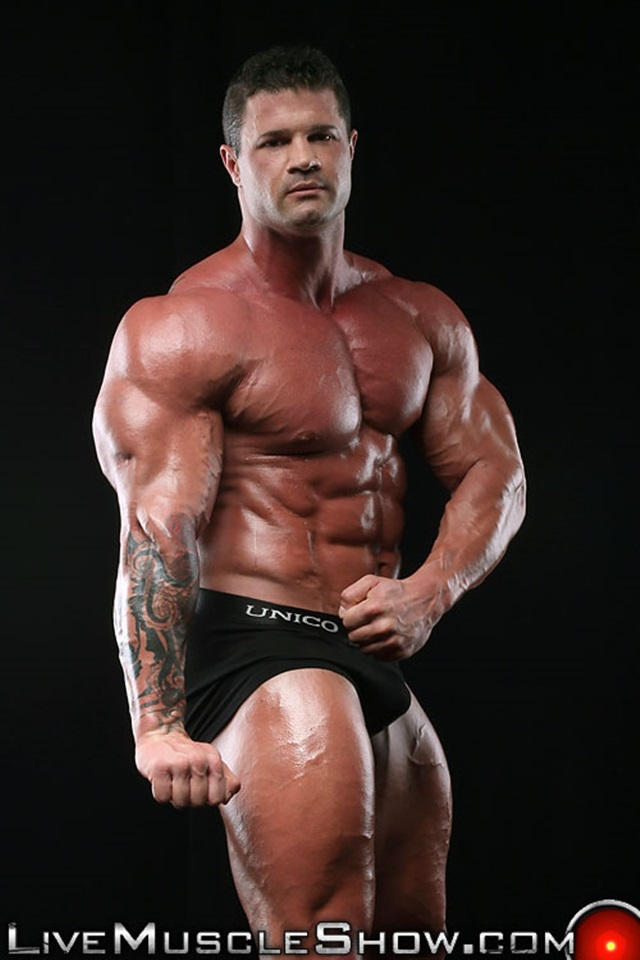 Kurt-Beckmann-Live-Muscle-Show-Gay-Porn-Naked-Bodybuilder-nude-bodybuilders-gay-fuck-muscles-big-muscle-men-gay-sex-003-gallery-photo