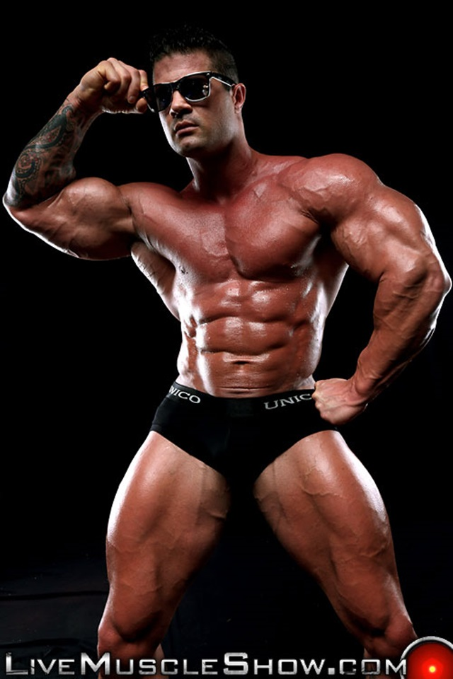 Kurt-Beckmann-Live-Muscle-Show-Gay-Porn-Naked-Bodybuilder-nude-bodybuilders-gay-fuck-muscles-big-muscle-men-gay-sex-004-gallery-photo