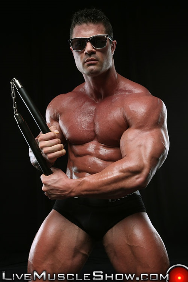 Kurt-Beckmann-Live-Muscle-Show-Gay-Porn-Naked-Bodybuilder-nude-bodybuilders-gay-fuck-muscles-big-muscle-men-gay-sex-005-gallery-photo