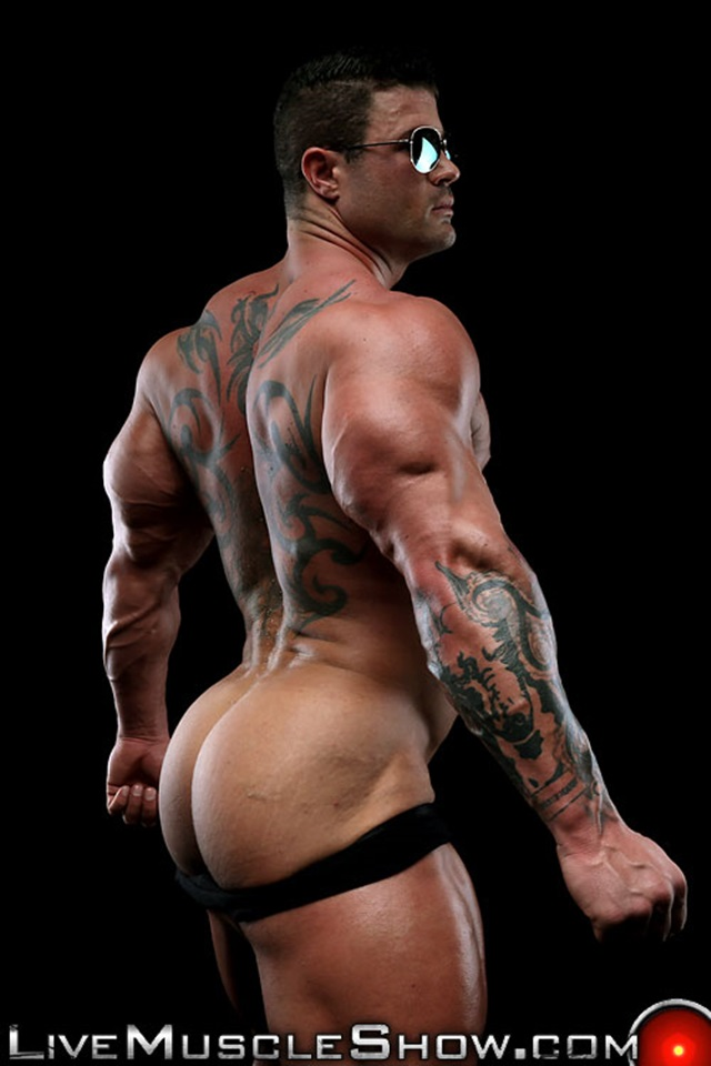 Kurt-Beckmann-Live-Muscle-Show-Gay-Porn-Naked-Bodybuilder-nude-bodybuilders-gay-fuck-muscles-big-muscle-men-gay-sex-009-gallery-photo