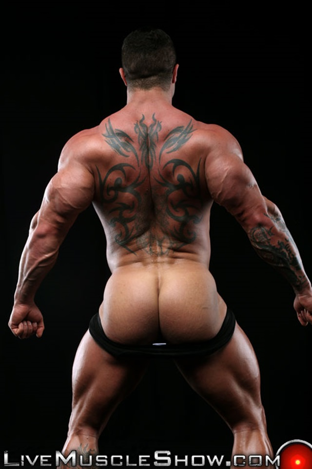Kurt-Beckmann-Live-Muscle-Show-Gay-Porn-Naked-Bodybuilder-nude-bodybuilders-gay-fuck-muscles-big-muscle-men-gay-sex-010-gallery-photo