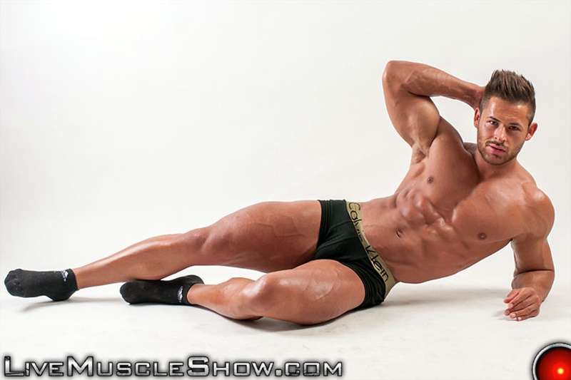 LiveMuscleShow-webcam-chat-jerking-naked-big-muscle-hunk-Chip-Michaels-strips-huge-9-inch-dick-erect-long-ripped-muscled-dude-bubble-butt-001-gay-porn-sex-gallery-pics-video-photo