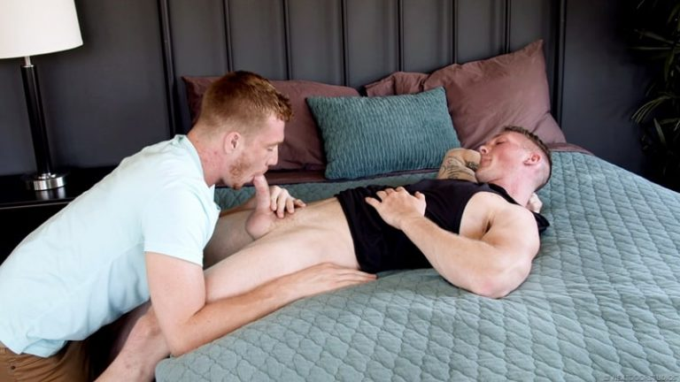Sexy fraternity stud Jackson Cooper fucks the hot bubble ass of frat boy Dacotah Red